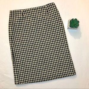 J. Crew ~ Houndstooth wool skirt